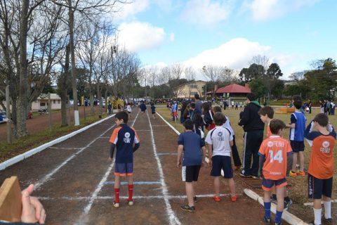 As provas foram realizadas na pista de atletismo da URI