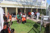 Cerca de 80 funcionários foram para a frente do prédio do Sindicato