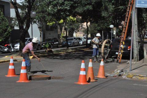 Equipes da Sinos Telecom trabalharam durante a semana na instalação de cabos de fibra óptica