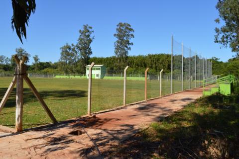estádio carlos wilson schröeder está localizado na Avenida Salgado Filho, na zona norte do município