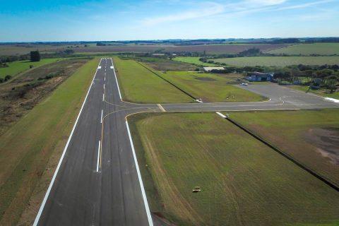 Nova pista do Aeroporto Sepé Tiaraju foi inaugurada em maio do ano passado, porém, local precisava de melhorias para que a Anac liberasse a retomada de voos comerciais