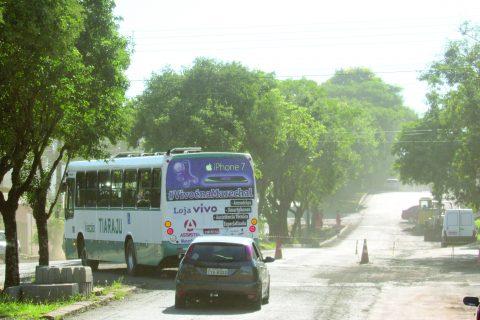 ônibus coletivo urbano na Av. Salgado Filho