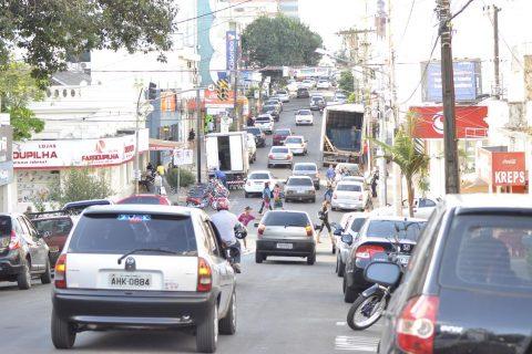 Segundo a Delegacia da Receita Estadual de Santo Ângelo, 25.299 mil veículos pagam IPVA na cidade de uma frota total que chega a 51.722 mil veículos