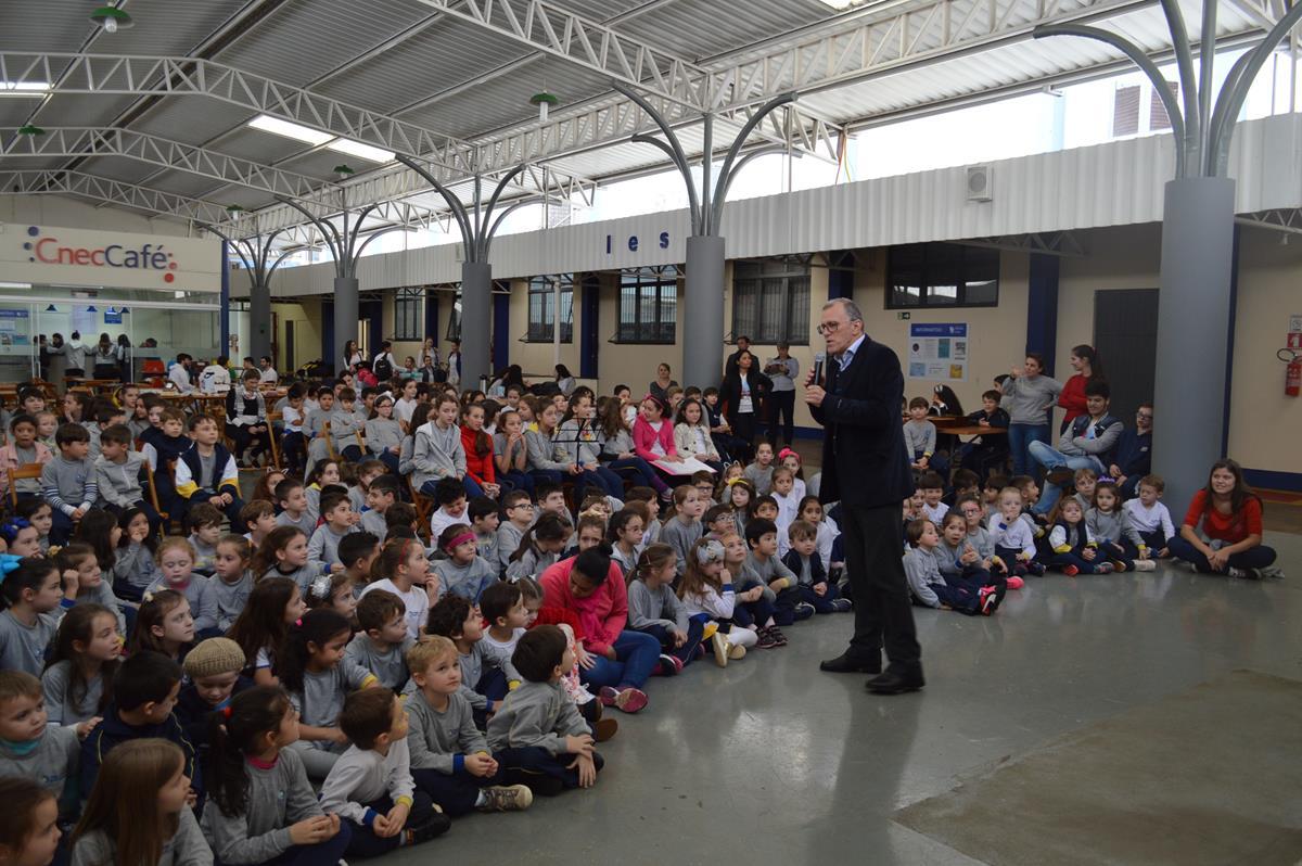 diretor da Instituição, Gilberto Kerber ressaltou ressaltada a importância dos alunos na construção da escola e mantê-la ativa até hoje