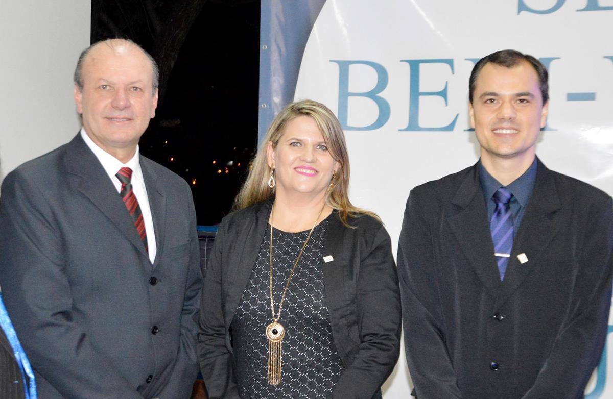 Professores Gilberto Pacheco, Berenice Rossner Wbatuba e Marcelo Stracke, diretores da URI Santo Ângelo