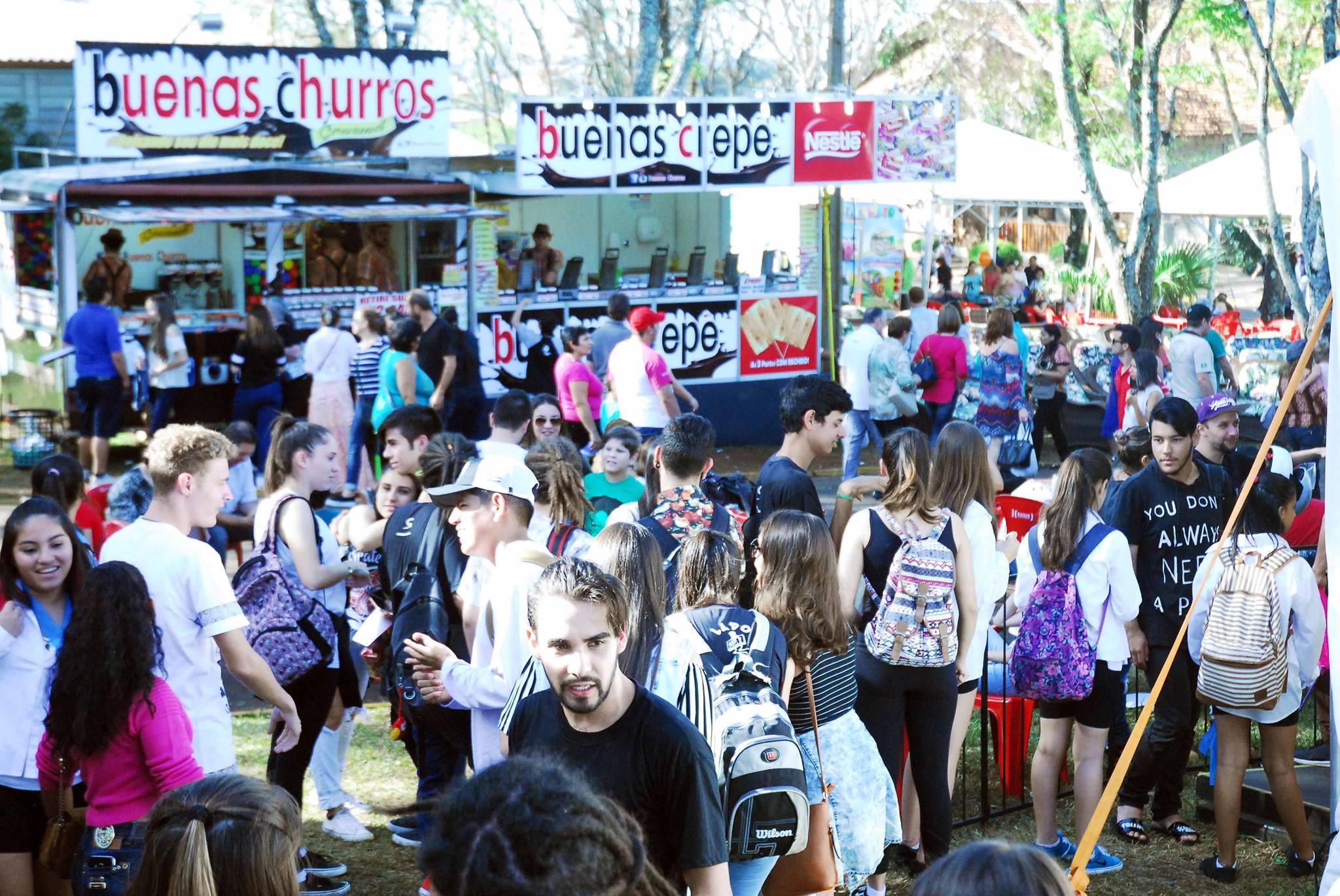 Somente na terça-feira dia 2, cerca de 20 mil pessoas acompanharam as atrações da Fenamilho, data em que a entrada foi gratuita