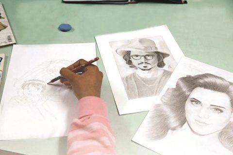 Oficina de desenho artístico terá duas turmas, às terças e sextas-feiras