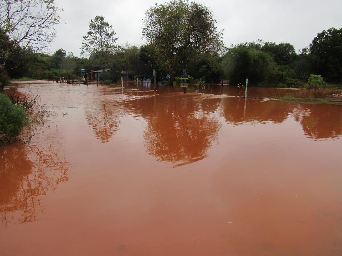 Municipios da Região das Missões foram afetados pelas chuvas. Em Santo Ângelo, moradores tiveram suas casas invadidas pelas águas do Rio Itaquarinchim
