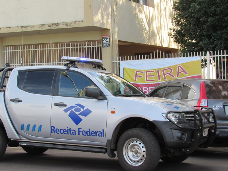 Receita Federal Fiscaliza Feira Itinerante (2) (Copy)