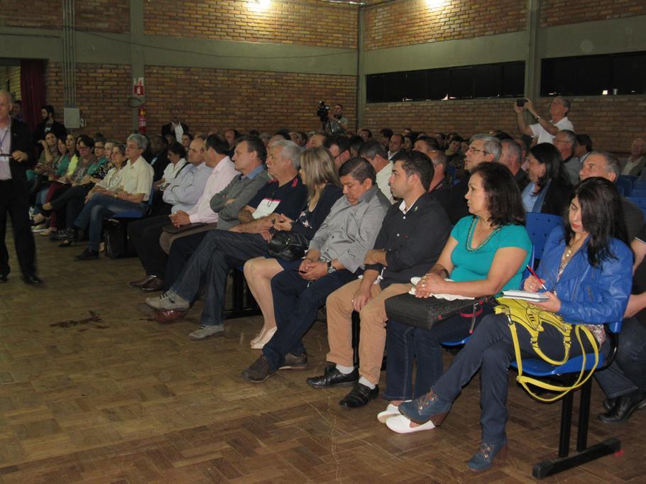 Audiência reuniu prefeitos, empresários e comunidade em geral