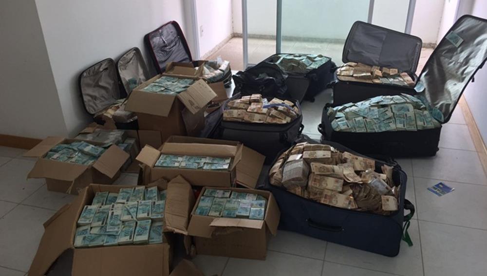Malas e caixas de dinheiro 2