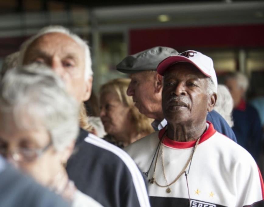 Idosos acima de 70 anos podem fazer o saque do PIS/Pasep a partir da quinta-feira, dia 19