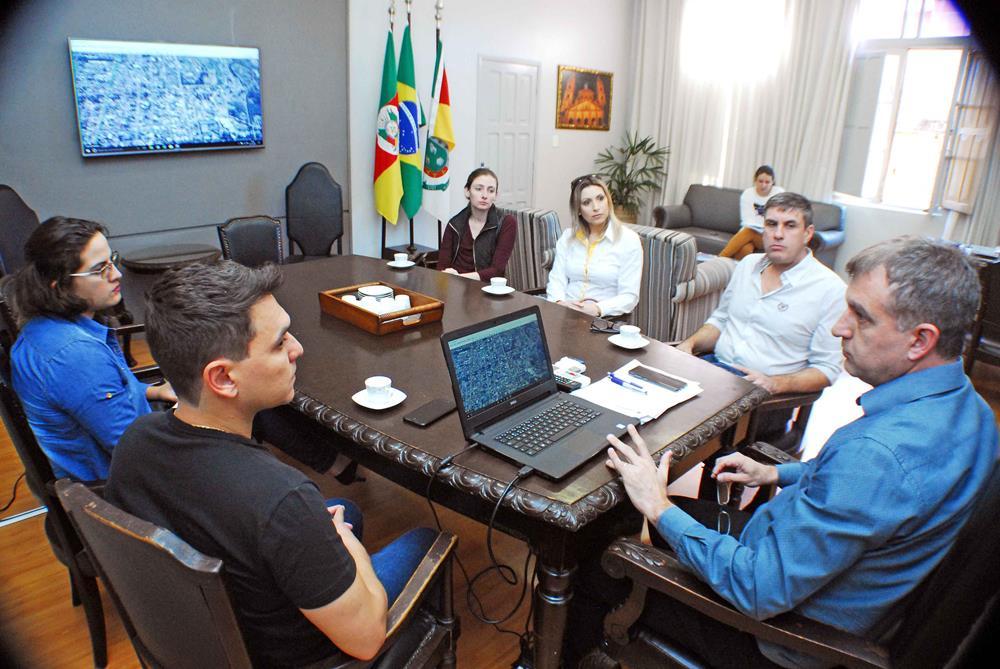 Prefeito se reuniu com a Associação Ciclo Missões para ajustar os detalhes do trecho que será contemplado