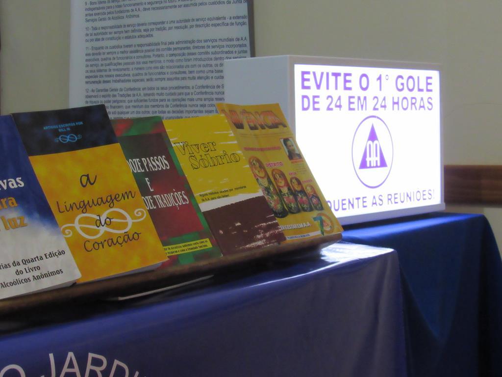 O grupo aluga uma sala no Bairro Pippi e oferece literatura de apoio e encontros todas as quartas e sábados