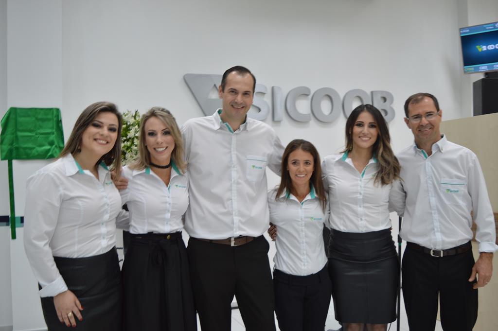 Equipe de colaboradores da agência Sicoob de Santo Ângelo