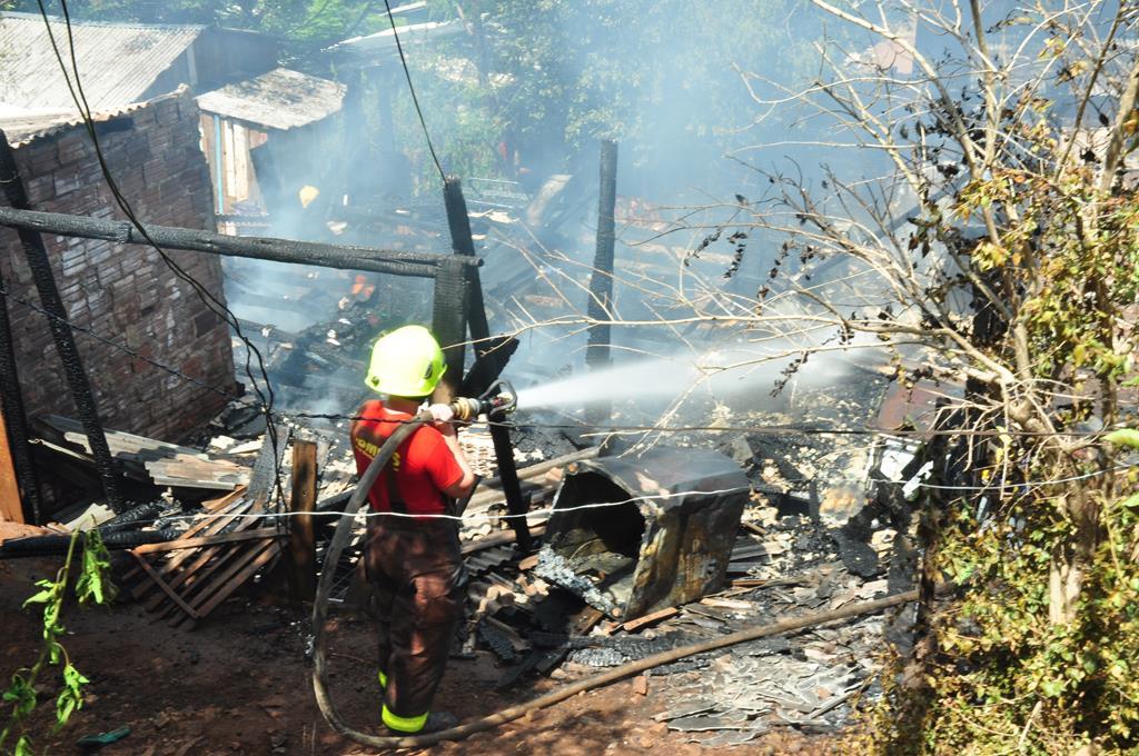 Incêndio no Leonel Brizola (4)