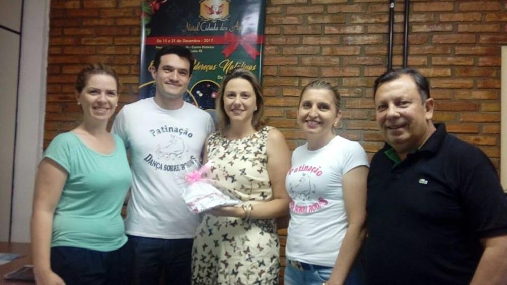 Na quinta-feira, dia 30, a primeira-dama Juliana Barbosa e o secretário de Turismo, Esporte, Lazer e Juventude, Vando Ribeiro de Souza, firmaram parceria com os organizadores do Festival.