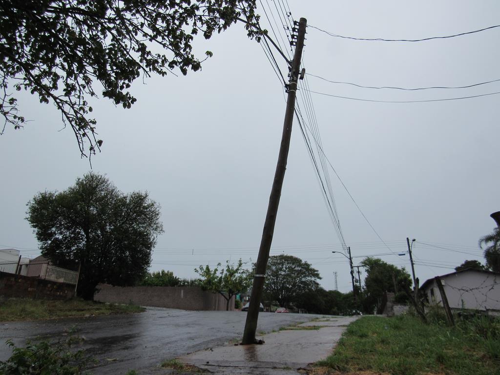 Poste na Rua Marques de tamandaré 02