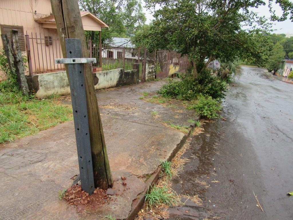 Poste na Rua Marques de tamandaré