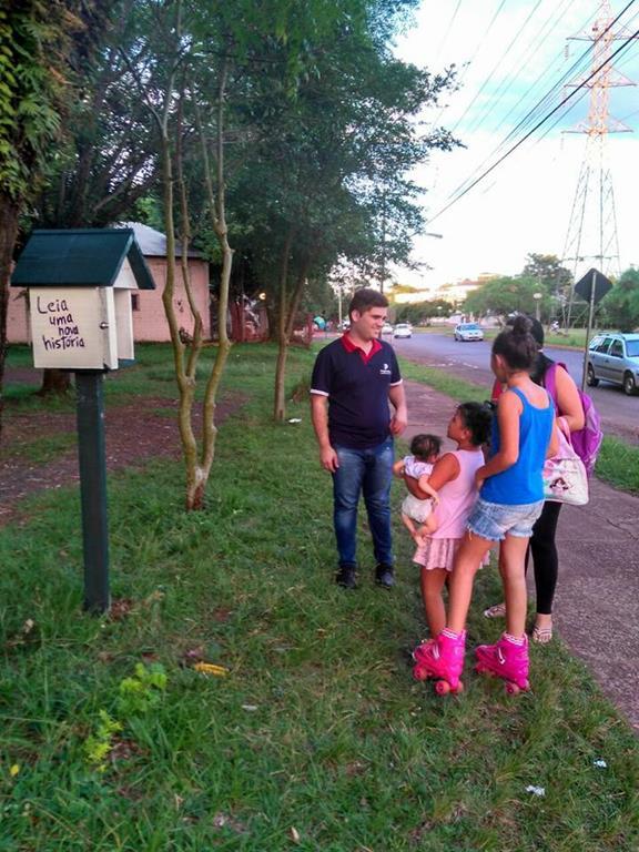 Comunidade do Bairro Pippi aprova a iniciativa do Projeto Leia Uma Nova História (Copy)