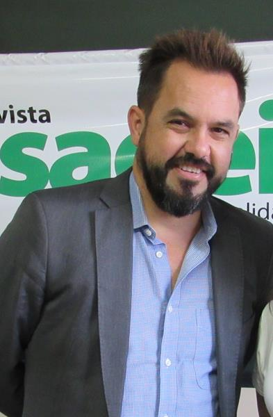 Carlos Eduardo Aranha é presidente da Rede Gaúcha de Ambientes de Inovação (REGINP) e gerente da Unidade de Inovação e Empreendedorismo da Unisinos (UNITEC). Aranha é graduado em Engenharia de Plásticos pela universidade Luterana do Brasil (2001), com especialização em MBA – Gestão Empresarial na Fundação Getúlio Vargas (2007) e mestrando em Design Estratégico pela Unisinos. Atua há mais de dez anos em atividades de fomento e desenvolvimento de startups e no empreendedorismo de inovação.