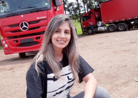 Paula Demeneghi - 01 (Copy)