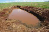 Foto - Marcos Demeneghi - Lavoura de soja em Santo Ângelo - Valo aberto para conter a erosão, pois o solo compactado não permite que a água penetre no solo