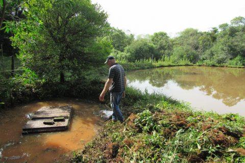 Ivo Voltz em sua propriedade no distrito de Buriti