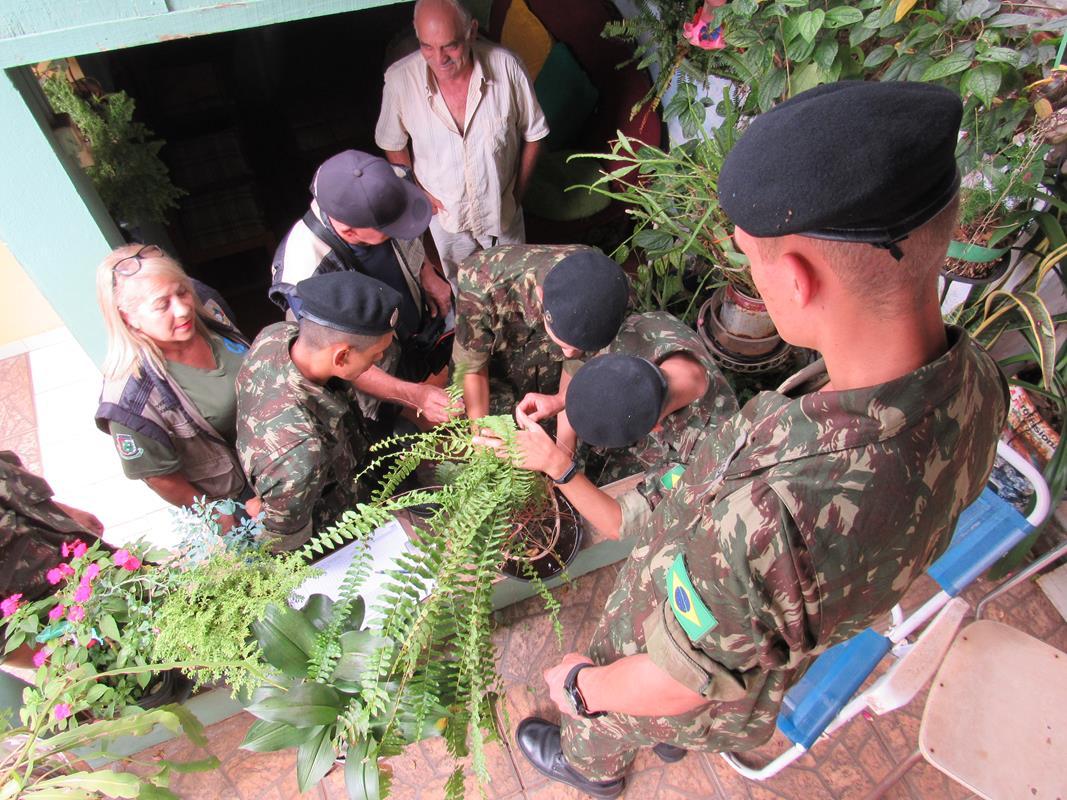 Militares em combate a dengue (21) (Copy)