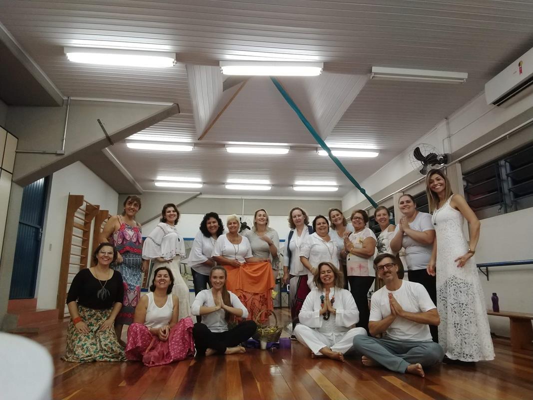 Dança circular - um ano - todo grupo (Copy)