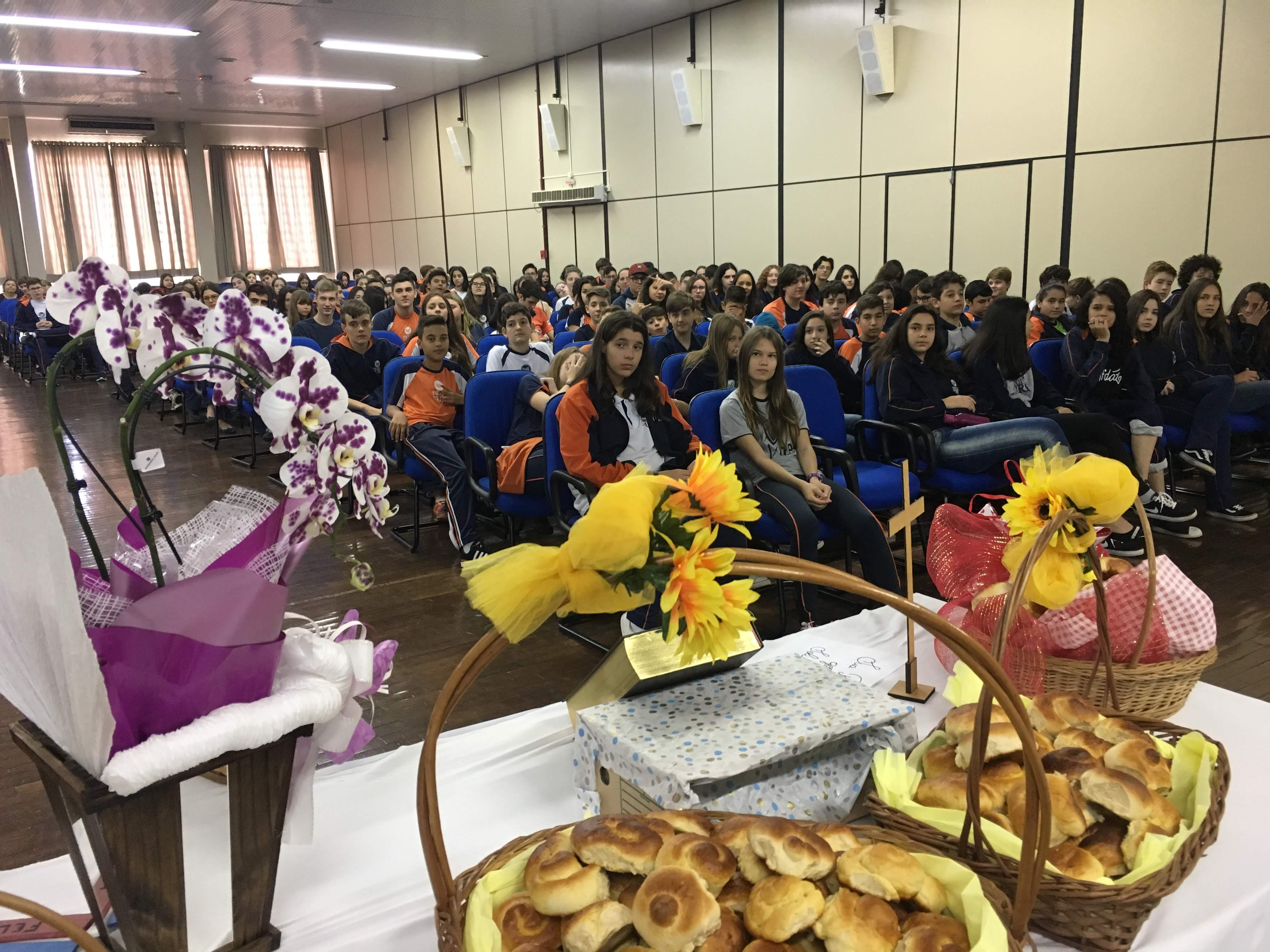 Páscoa Escola- celebração auditório