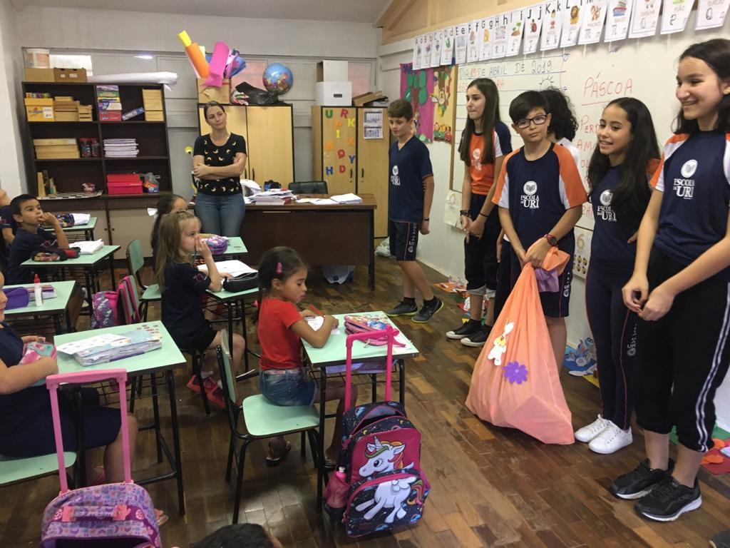 Páscoa Escola- entrega doações 2
