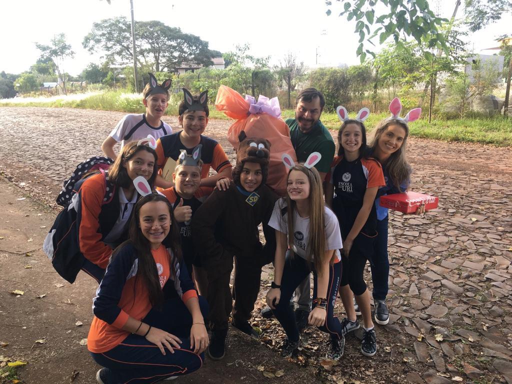Páscoa Escola- grupo com doações