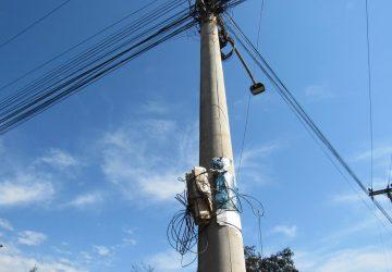 Fios-ociosos-da-rede-de-comunicação-12-Copy-360x250.jpg