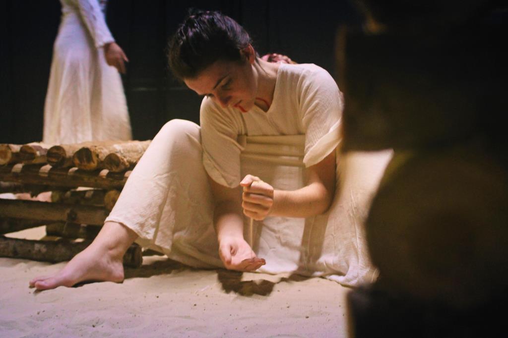 Festival de Teatro - Espetaculo Filhas do Sal (Copy)
