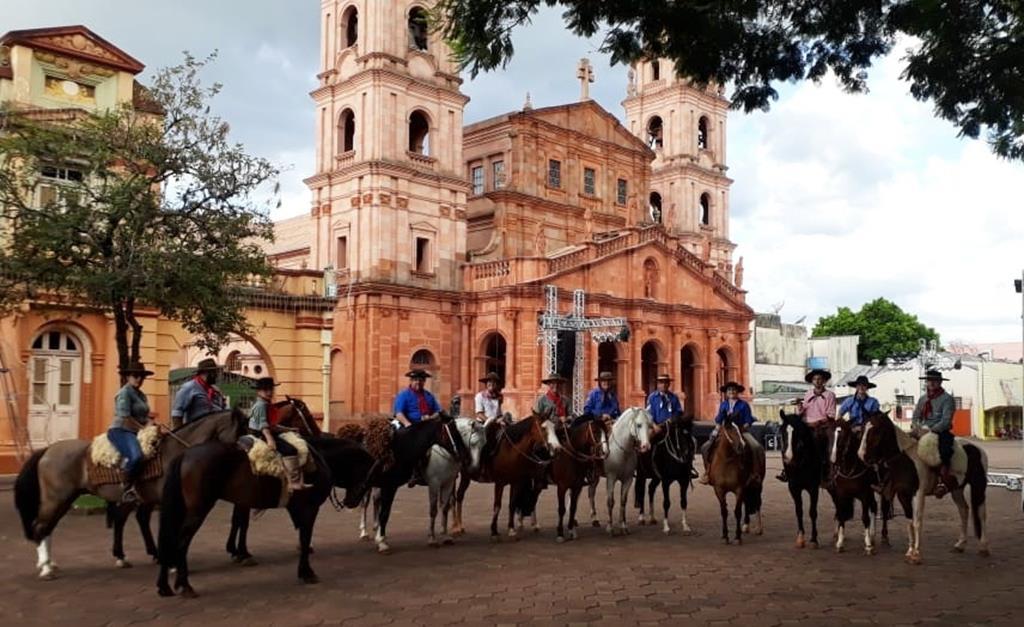 Cavalgada do Bem em Santo Ângelo recolheu mais de 1500 kg de alimentos (Copy)