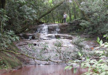 Quedas-dágua-Rio-São-João-Comandaí-1-Copy-360x250.jpg