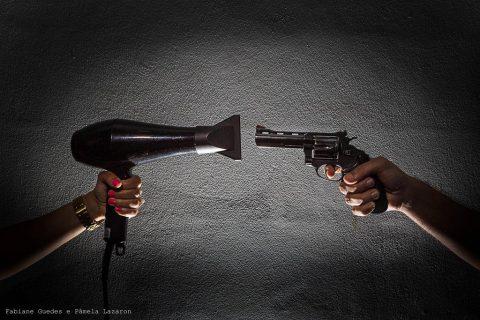 """Foto - Fabiane Guedes e Pâmela Lazaron - Mostra fotográfica """"O silêncio também é uma arma"""""""