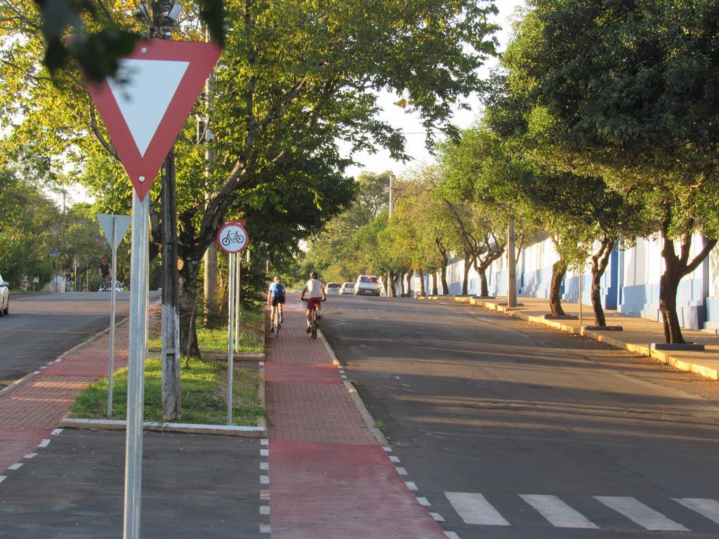 Ciclovia da Av. Venâncio Aires em Santo Ângelo - Foto: Marcos Demeneghi