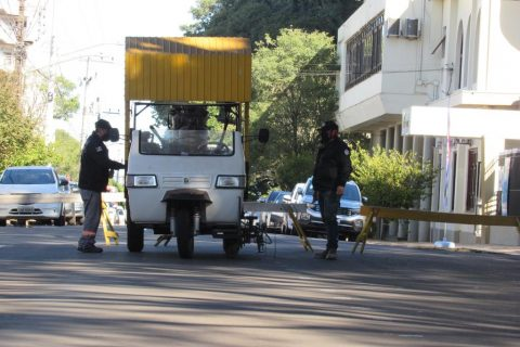 Triciclo SLM 2040, movido a diesel. Foto - Marcos Demeneghi