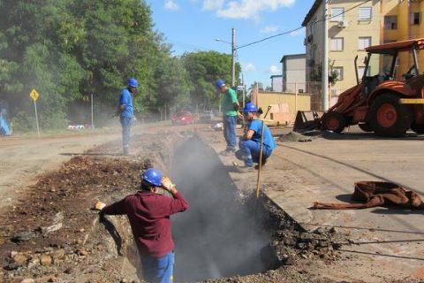 Obras de implantação de esgoto sanitário em Santo Ângelo