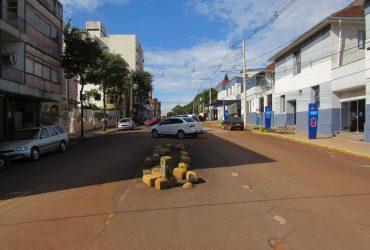 Rua-Antônio-Manoel-Retirada-das-árvores-para-modificação-de-sentido-do-trânsito-2-Copy-370x250.jpg