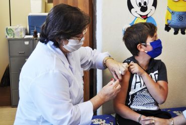 Vacinação-contra-o-H1N1-segue-até-o-dia-5-de-junho-foto-Rodrigo-Bergsleithner-Copy-370x250.jpg