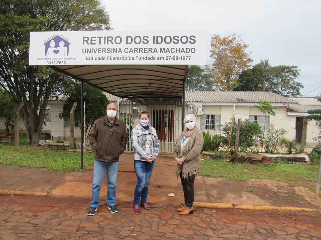 Retiro dos Idosos Universina Carrera Machado - Jorge Carneiro de Andrade (Pres.), Rosangelo Chimoia dos Santos (Vice), Venati Izabel de Oliveira (Assis.Soc.)