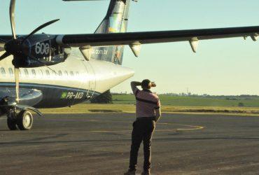 Avião-da-Azul-primeiro-pouso-e-decolagem-no-Aeroporto-de-Santo-Ângelo-2-Copy-370x250.jpg