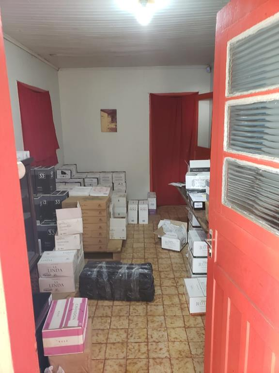 Foto: Divulgação da Receita Federal. Mercadorias aprendidas na operação de combate ao contrabando