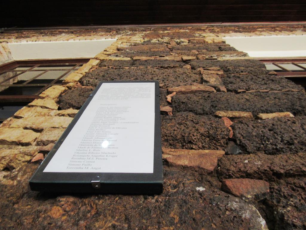Pedras Itacuru que compõe as paredes do Museu Municipal José Olavo Machado em Santo Ângelo - Foto Marcos Demeneghi