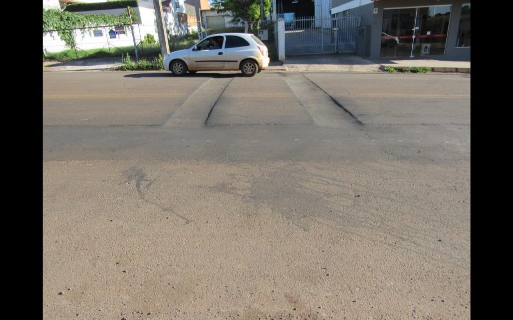 Rua Tiradentes após obras de implantação de esgoto sanitário - Foto: Marcos Demeneghi