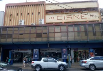 Cinema-Cisne-Copy-360x250.jpg
