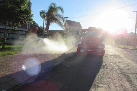 Caminhão hidrojato - limpeza covid-19 - secretaria de saúde - pandemia (1) (Copy)